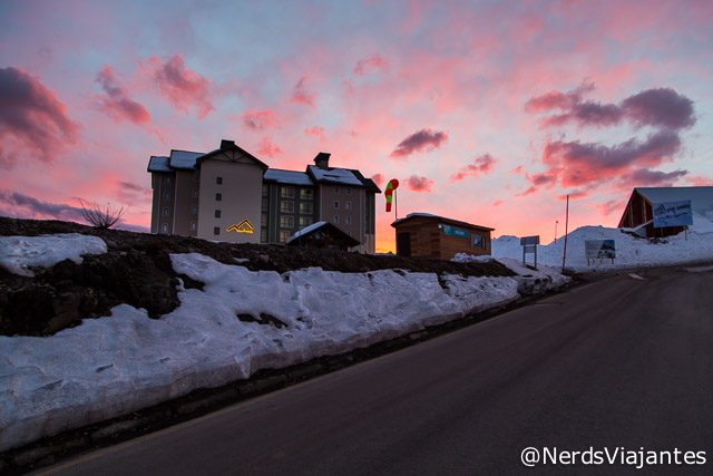 Entardecer no heliponto do Valle Nevado - Chile